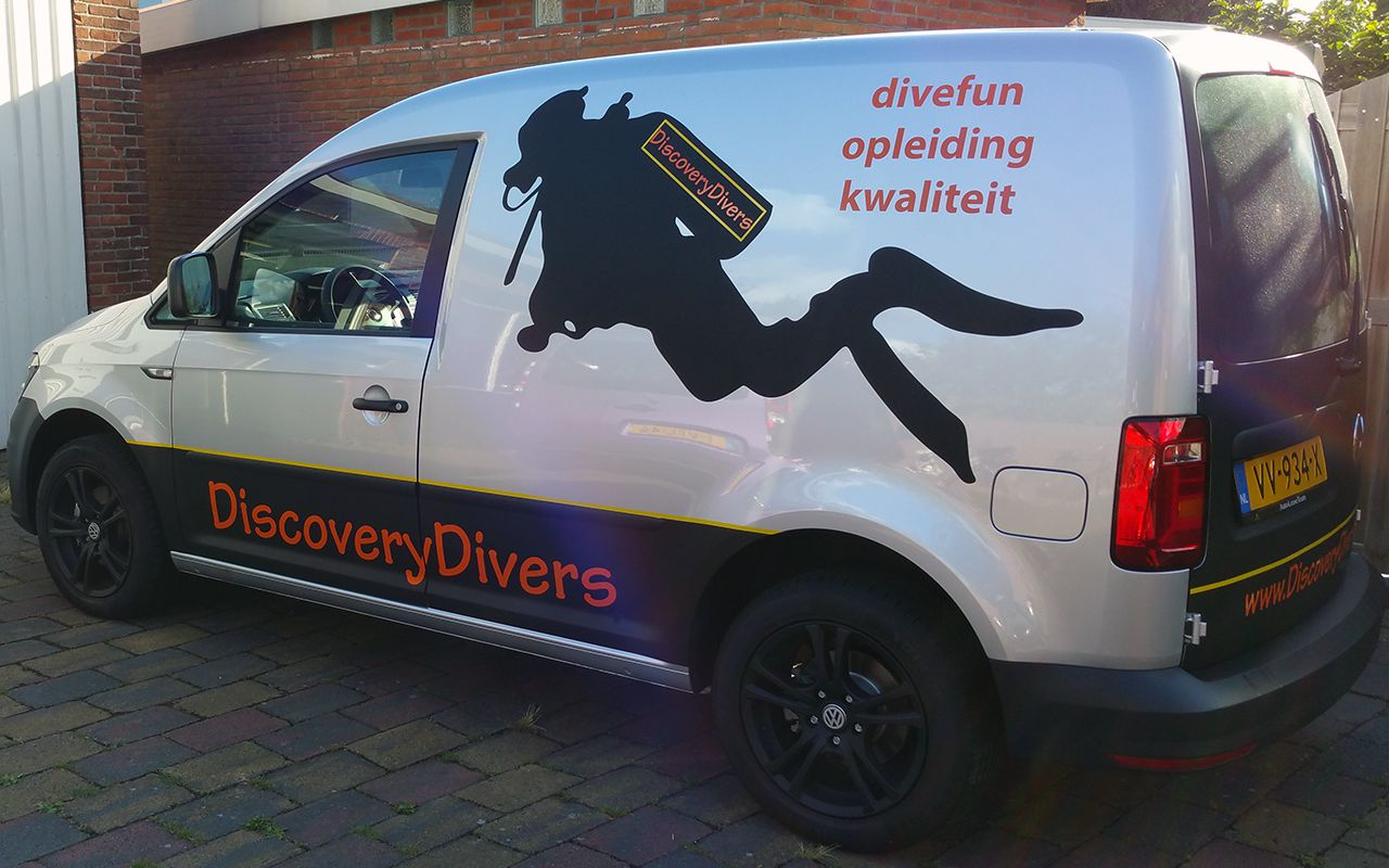 Autobelettering Discovery Divers