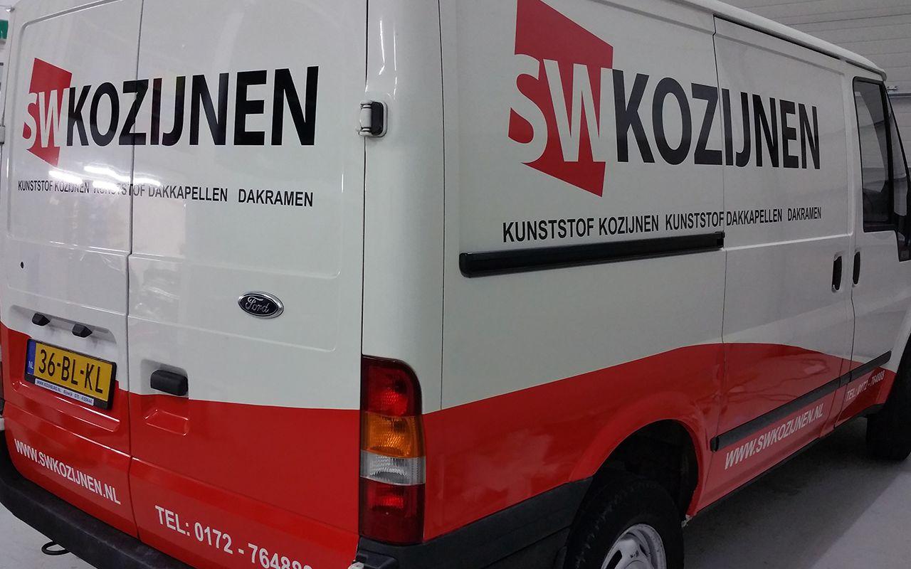 Belettering bedrijfswagen SW Kozijnen